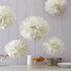 "PomPoms ""Fluffy"" in Creme"