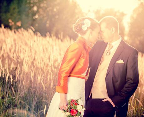 Brautpaar im Kornfeld