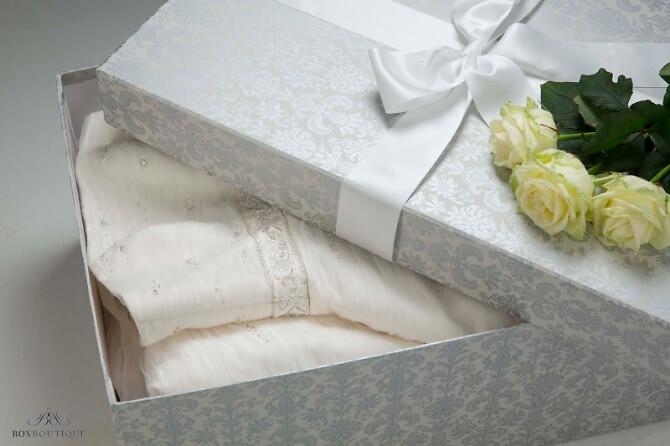 Box Brautkleid