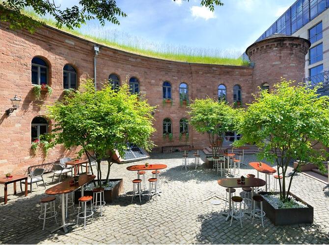 Fort Malakoff Hofgarten