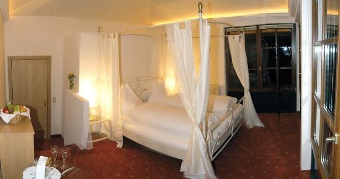 Hotelsuite für die Hochzeitsnacht