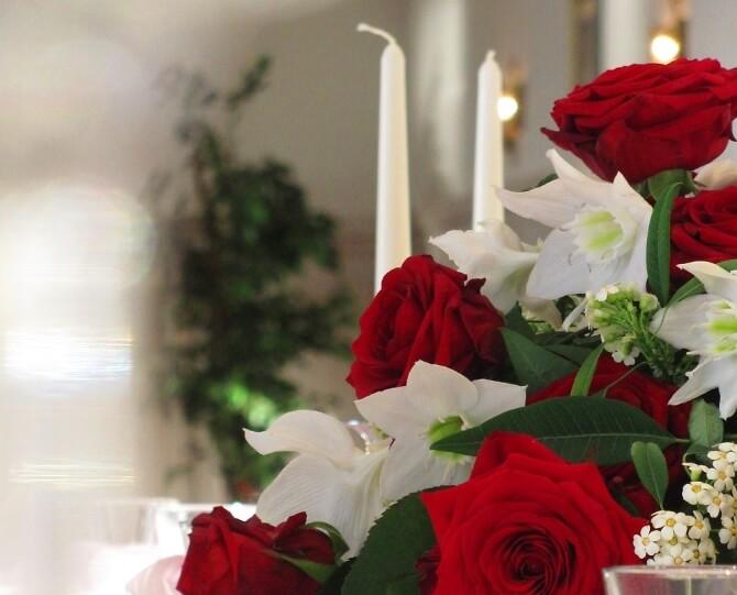 Rosendekoration zur Hochzeit
