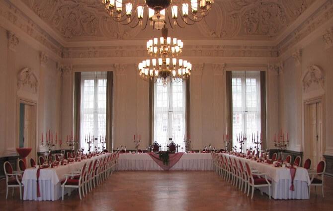 Festsaal für die Hochzeitsfeier