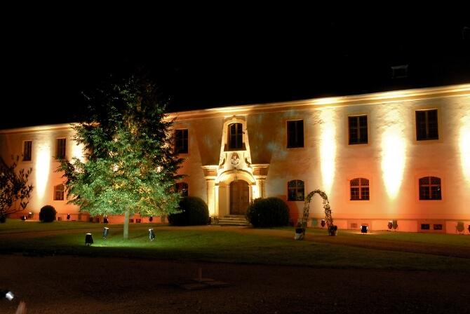 Schloss Ehrenfels bei Nacht