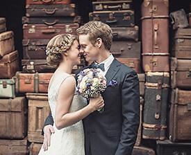 Brautpaar, Koffer
