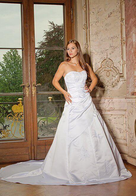 Brautkleid Amera Vera B85