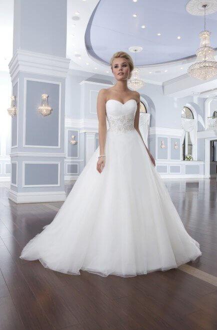 Brautkleid Lillian West 6303