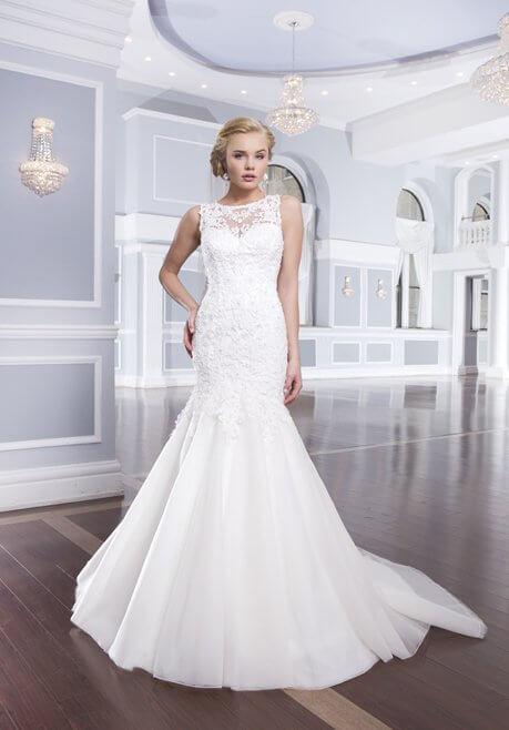 Brautkleid Lillian West 6315