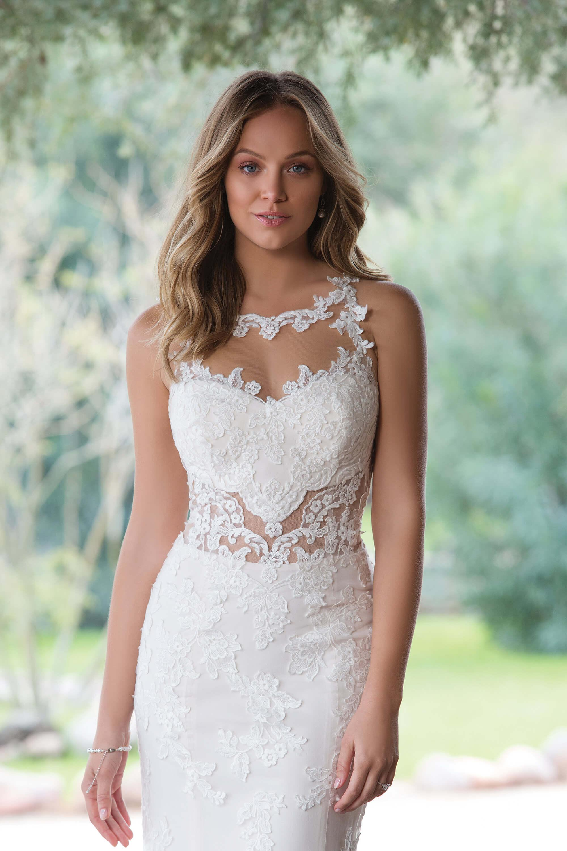 Etui-Brautkleider für die elegante Braut - weddix