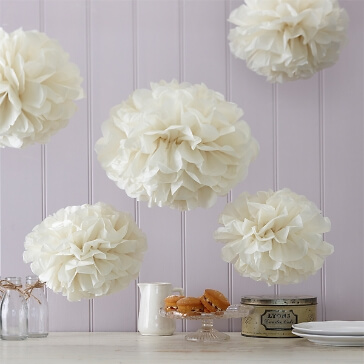 PomPoms Fluffy in Creme