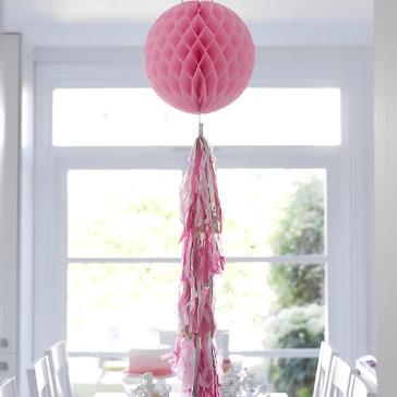 wabenball mit quasten girlande blush pink