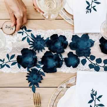 Tischdeko Hochzeit Blumen Dunkelblau