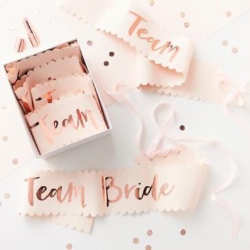 Schärpen mit Schriftzug Team Bride in Roségold
