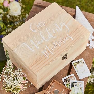 Erinnerungsbox Hochzeit aus Holz