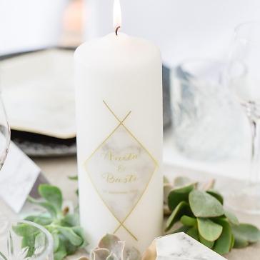 Hochzeitskerze Marmor, personalisiert, geometrisches Muster in Gold Optik