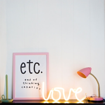 LED Leuchtschriftzug Love neongelb