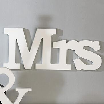 Holzschild Mrs zur Hochzeit
