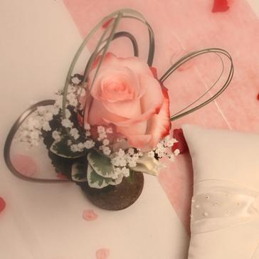 Dekoständer mit kleiner Vase - Hochzeitsblumen