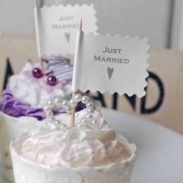 """Fähnchen """"Just Married mit Herz"""" zur Cupcake-Deko"""