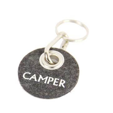 """Kreisförmiger Schlüsselanhänger mit Schriftzug """"Camper"""""""