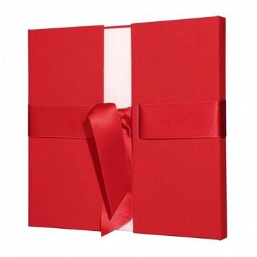 Rotes Fotoalbum zur Hochzeit