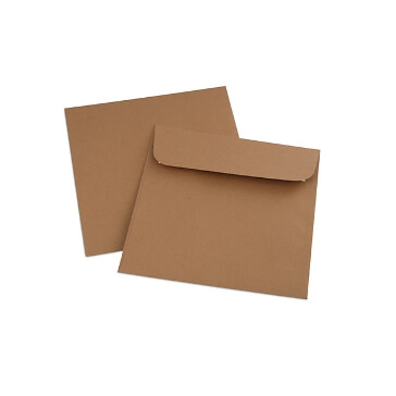 Briefumschlag aus Kraftpapier, quadratisch
