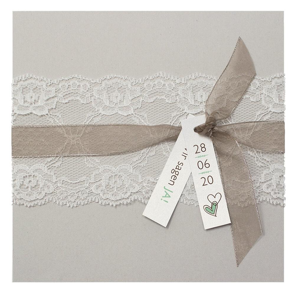 Hochzeitseinladung sina in beige mit spitze klappkarte - Hochzeitseinladungen mit spitze ...