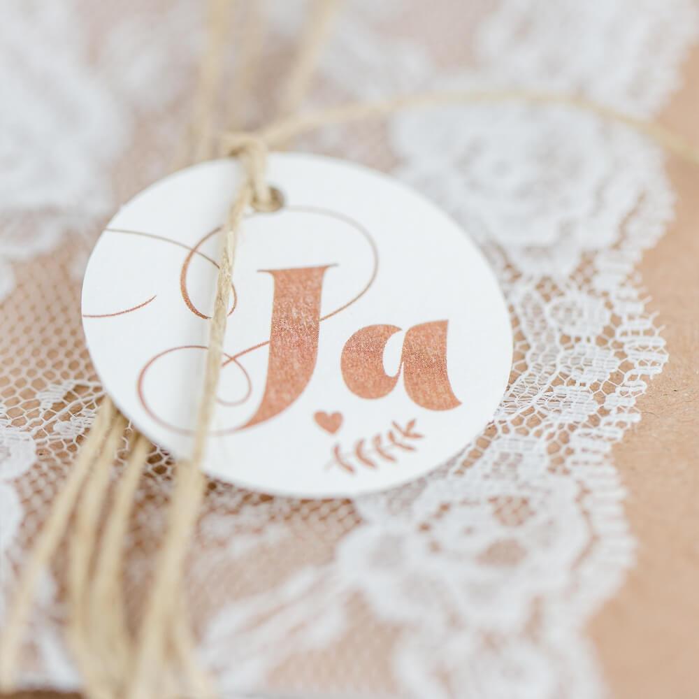 Einladungskarte Hochzeit Mia Kraftpapier Mit Spitze Und Juteband