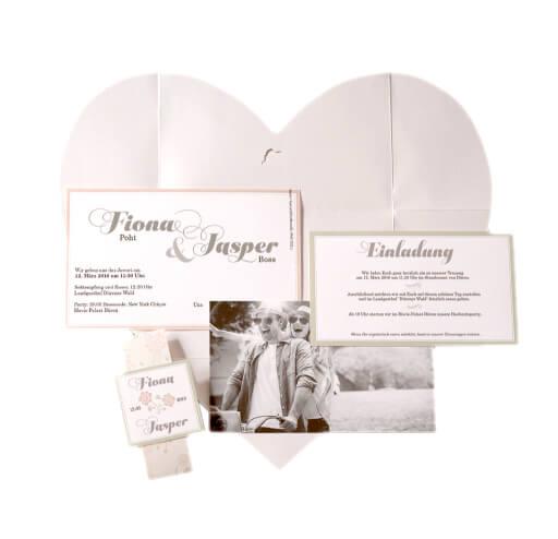 Lea Hochzeitseinladung Auffaltbar Zum Herz. Lea Hochzeitseinladung  Briefumschlag ...