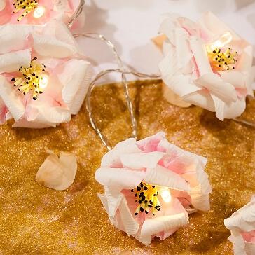 Hochzeitsdeko Lichterkette mit Blüten