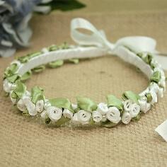 Haarreif mit Seidenblumen, weiß-grün