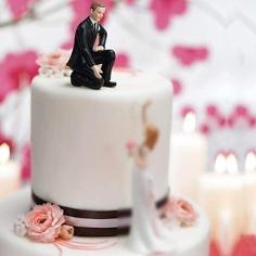 """Hochzeitstortenfigur """"Bräutigam reicht die Hand..."""" - Bräutigam im Smoking"""