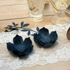 Papierblueten Hochzeit Dunkelblau