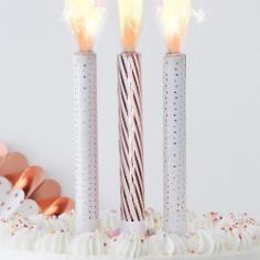Hochzeitstorte alles ber die torte zur hochzeit weddix - Tortendeko hochzeit ...