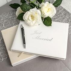 """Gästebuch Hochzeit """"Just Married"""" aus Leder"""