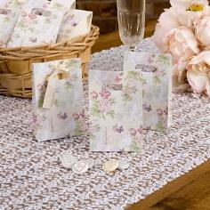 Gastgeschenk-Tüten im romantischen Design zur Hochzeit