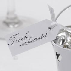 """Geschenkanhänger """"Frisch verheiratet"""" in Weiß"""