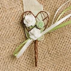 """Hochzeitsanstecker """"Herz mit Blüten"""", champagn-grün"""