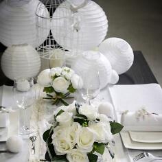 Lampions zur Hochzeit in weiß