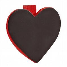 Rote Deko-Klammern in Herzform zur Hochzeitsdekoration