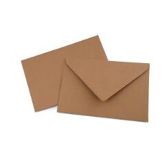 Briefumschlag aus Kraftpapier für Hochzeitseinladungen