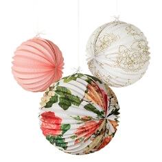 Lampions mit Blütenmuster für die Hochzeitsdeko