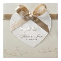 Hochzeitseinladung Leni mit Herz am Satinband