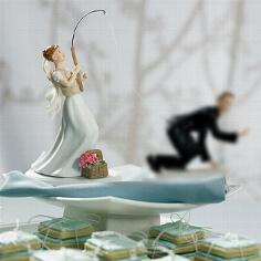 """Tortenfigur """"Braut mit Angel"""""""
