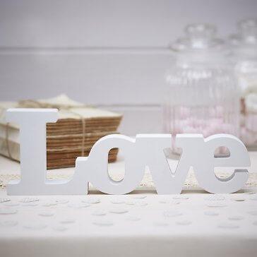 Holzschriftzug Love