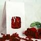 Echte Rosenblaetter Rot dekoriert