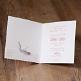 Einladungskarte Filomena im Bohostil mit bedrucktem Federanhänger