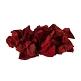 Echte Rosenblätter als romantische Streudeko