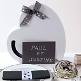 Box für Geschenke und Briefe für das Brautpaar in Herzform mit Schleife - Dekobeispiel