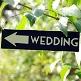 Holz-Wegweiser Weddingl als Hochzeitsdekoration